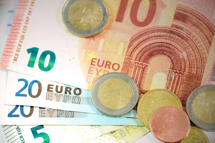 Як декларанту розрахувати базу для нарахування збору з одноразового (спеціального) добровільного декларування щодо валютних цінностей?